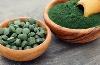 alga-chlorella-sprzedawana-jest-w-proszku-oraz-tabletkach